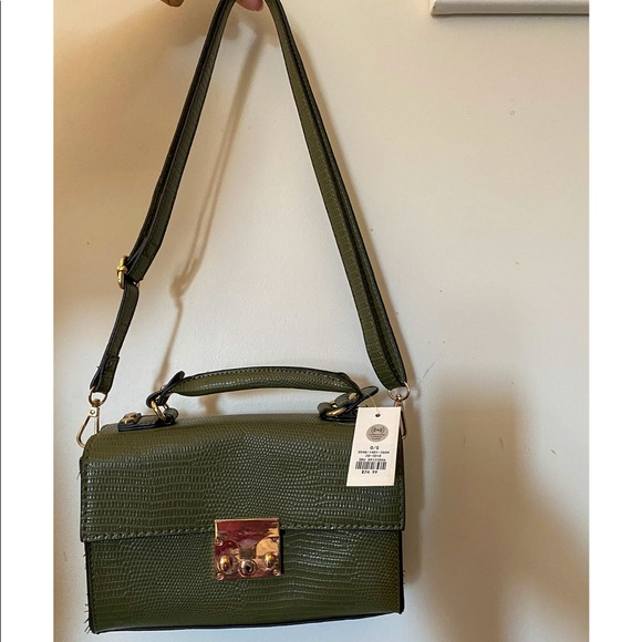 ⭐️3/$20 NWT Green Faux Leather Shoulder Bag
